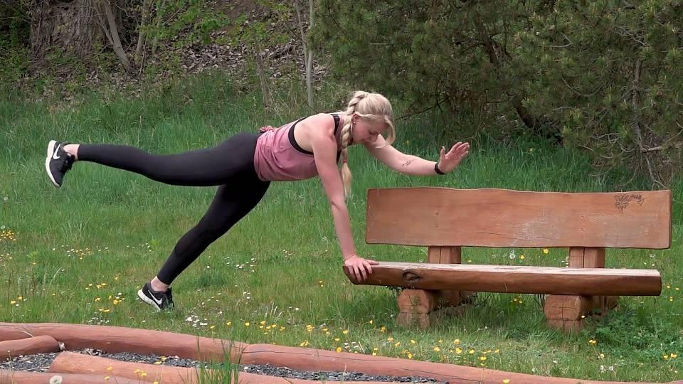 Cvičení na lavičce 4